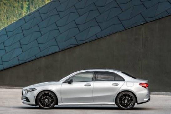 Mercedes-Benz показал новый A-класс