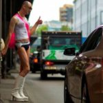 Канадец сменил пол, чтобы сэкономить на автостраховке