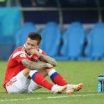 Федор Смолов последним покинул поле стадиона после проигрыша хорватам