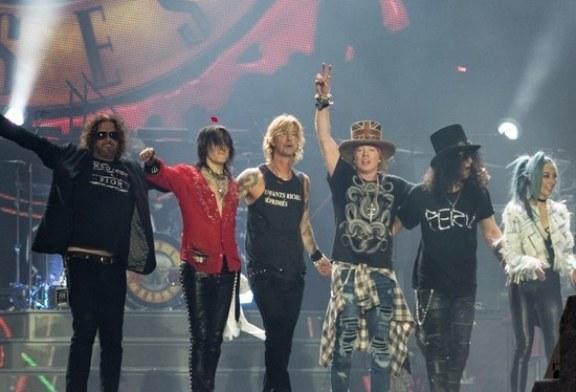 Guns N'Roses помирились в «золотом составе»