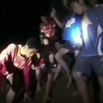 Застрявших в пещере Таиланда 12 детей научат выбираться сквозь сифон