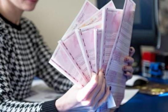 Полис ОСАГО пока не подорожает: реформу тарифов снова отложили