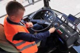 В Кемерове водитель троллейбуса дал порулить кондуктору: разбиты восемь машин