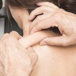 Посещение мануального терапевта может привести к нарушению зрения
