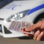 В Краснодаре поймали женщину, которая ездила с напечатанными на принтере правами