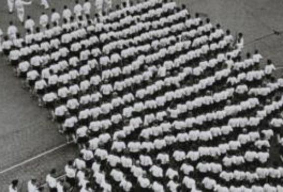 Сталин в Ялте, знамя над рейхстагом и другие шедевры советской фотографии в Лондоне