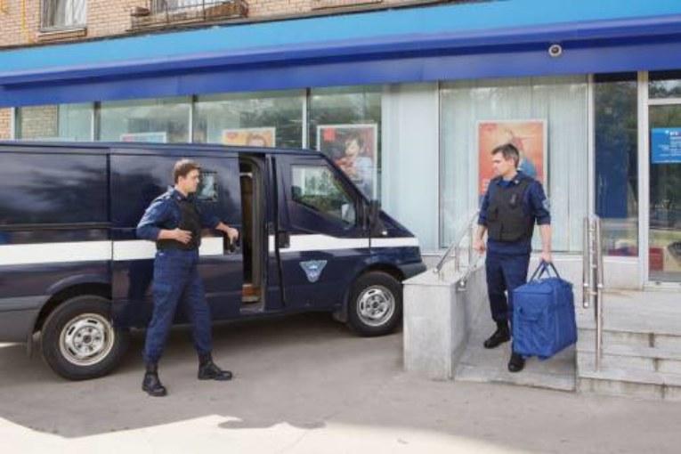 Фельдъегери нахватали рекордную сумму штрафов: теперь они могут парковаться бесплатно
