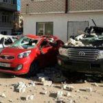 Ураган в Каспийске унес балкон и смял три машины (видео)