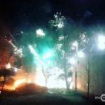 Салюты из горящих машин подожгли жилой дом в Москве