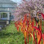 Стеклянные инсталляции Дейла Чихули в лондонском ботаническом саду Кью