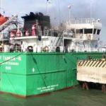 Начата подготовка к перекачке нефти с взорвавшегося в Махачкале танкера