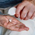 Аспирин не следует принимать здоровым людям после 70 лет