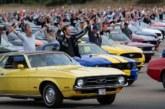 Ford установил рекорд, собрав 1300 «Мустангов» в одном месте