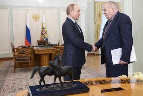 Путин поздравил Велихова с 85-летним юбилеем