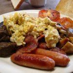 Плотный завтрак поможет сжечь больше калорий