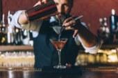 Какие коктейли пили герои известных книг и фильмов? Пройдите наш тест