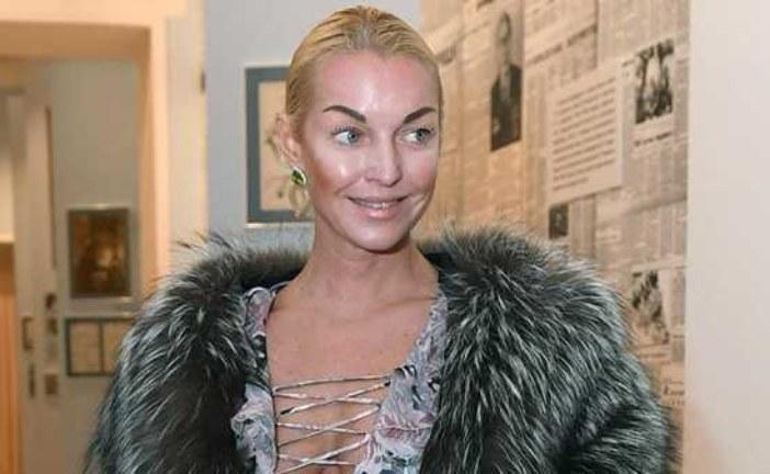 Волочкова унизила журналистку после вопроса о вечеринке с сухим льдом