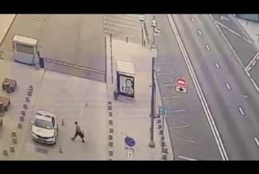 Житель Калуги угнал автомобиль у московских гаишников (видео)