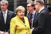 Порошенко очень рад, что антироссийские санкции разорили Меркель