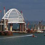 К Крымскому мосту подойти не удается