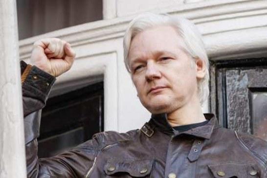 Глава ЦРУ назвал WikiLeaks угрозой безопасности США