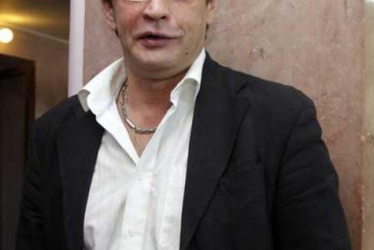 «Не игрушка!»: обиженный на коллег актер Домогаров уходит из театра Моссовета