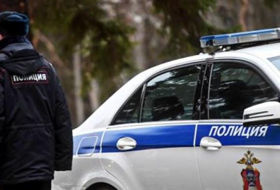 В Петербурге полиция выясняет обстоятельства ранения девушки у ТЦ