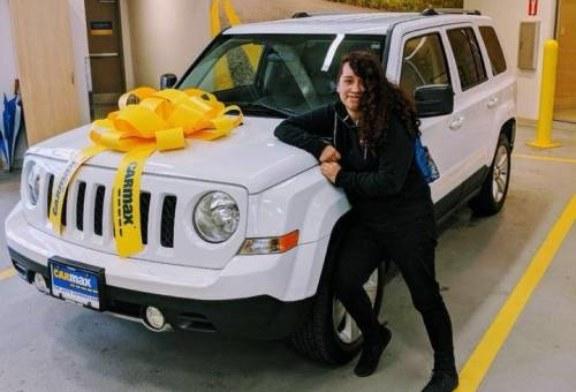 Девушка упала скалы на автомобиле и неделю добывала воду шлангом от радиатора