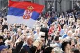 В Сербии протестующие прорвались через ограждения у дворца президента