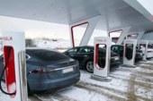 Илон Маск решил открыть электрозаправки Tesla не в России, а в Казахстане