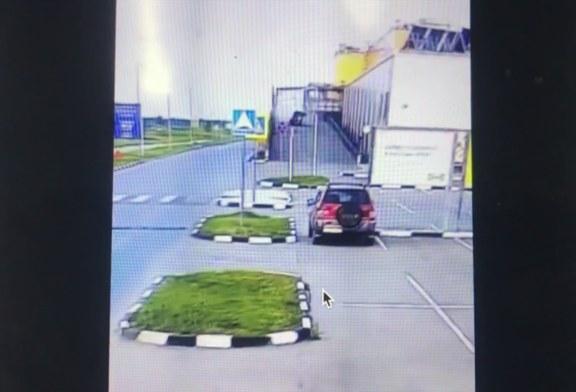 Сибирский водитель сделал двойное сальто на машине и тут же скрылся (видео)