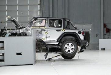 Jeep Wrangler с треском провалил краш-тест двойным эпичным переворотом (видео)